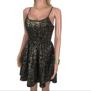 Emerald Sundae Dresses - 🌸 EMERALD SUNDAE Black/gold Floral Cocktail Dress